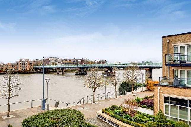 Thumbnail Flat for sale in Brewhouse Lane, London