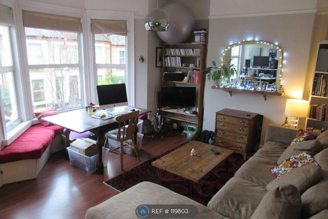 2 bed flat to rent in St Asaph Road, London SE4