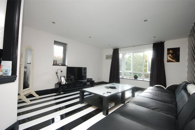 Thumbnail Flat for sale in Bartlow Side, Basildon, Essex