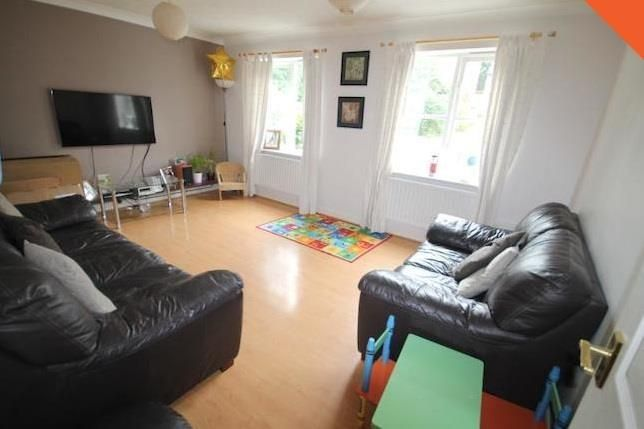 Thumbnail Link-detached house to rent in Hollycroft Close, South Croydon