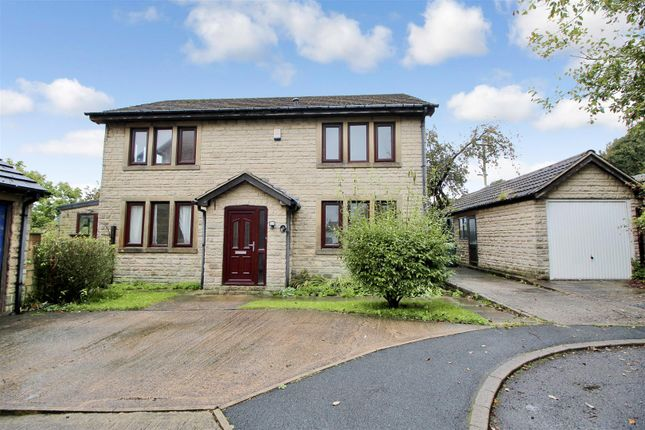 4 bed detached house for sale in High Wicken Close, Thornton, Bradford