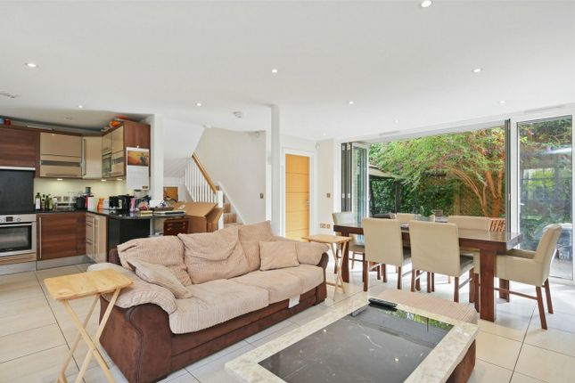 Thumbnail Terraced house to rent in Bevan Mews, London