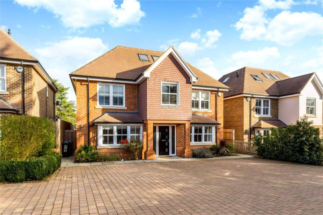 Thumbnail Detached house for sale in Glen Way, Watford, Hertfordshire