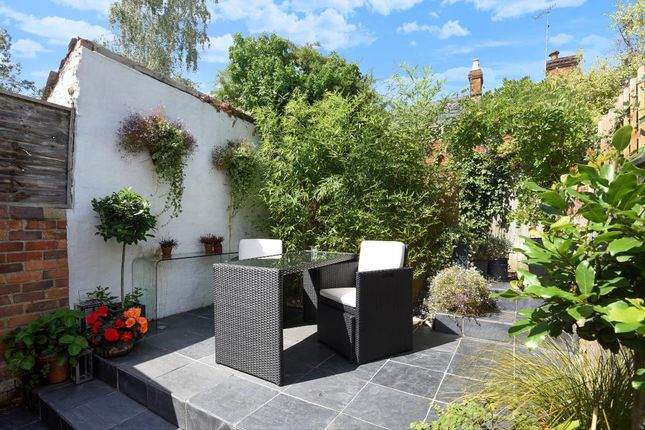 Thumbnail Terraced house to rent in Henley-On-Thames, Oxfordshire