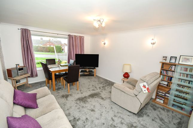 Lounge of St. Pauls Avenue, Cherry Willingham, Lincoln LN3