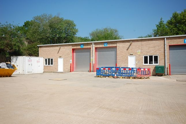 Thumbnail Warehouse to let in Turnpike Industrial Estate, Newbury