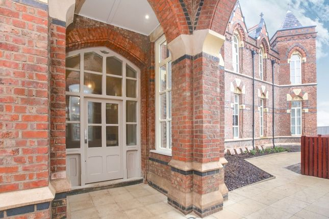 Thumbnail Flat for sale in Pennington Gardens, Cheadle