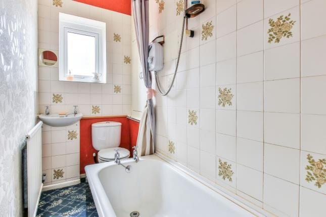 Family Bathroom of Oak Street, Burnley, Lancashire BB12