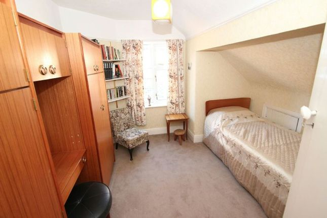 Bedroom 3 of Fownhope Avenue, Sale M33