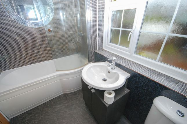 Bathroom of Manx Square, Sunderland SR5