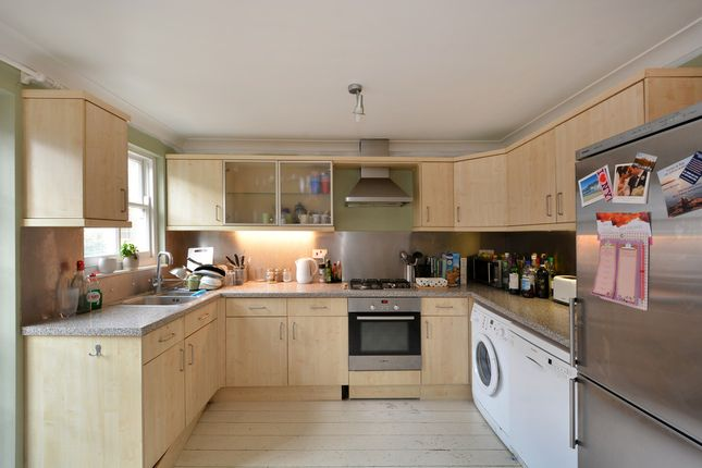 Thumbnail Flat to rent in Spanish Road, London