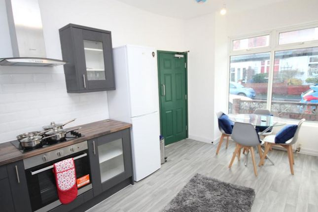 4 bed shared accommodation to rent in Arthur Street, Stockport SK5
