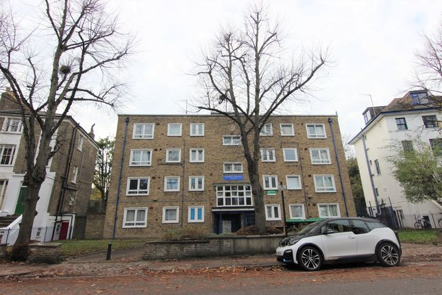 Flat to rent in Hilldrop Crescent, London