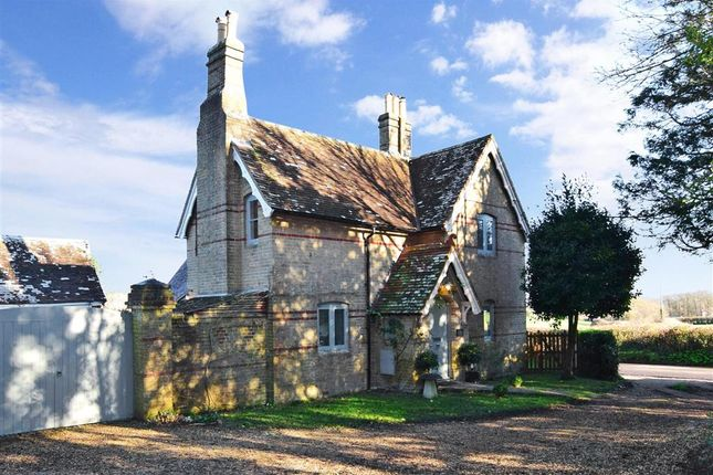 Thumbnail Detached house for sale in Court Road, Freshwater, Isle Of Wight