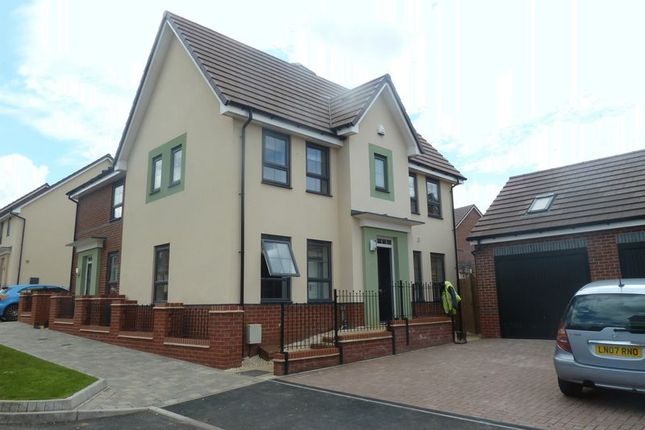 Thumbnail Semi-detached house to rent in Messenger Road, Smethwick