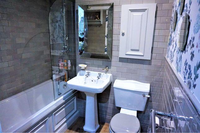 Bathroom of Stanningden Rise, Sowerby Bridge HX6