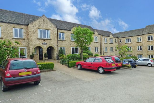 Thumbnail Flat for sale in Bredon Court, Broadway