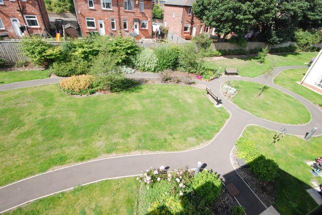Communal Grounds of Fordfield Road, Sunderland SR4