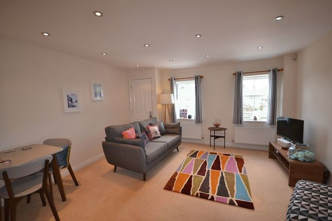 2 bed flat to rent in Redworth Court, Totnes TQ9