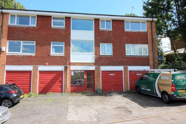 Photo 1 of Fermor Crescent, Luton, Bedfordshire LU2