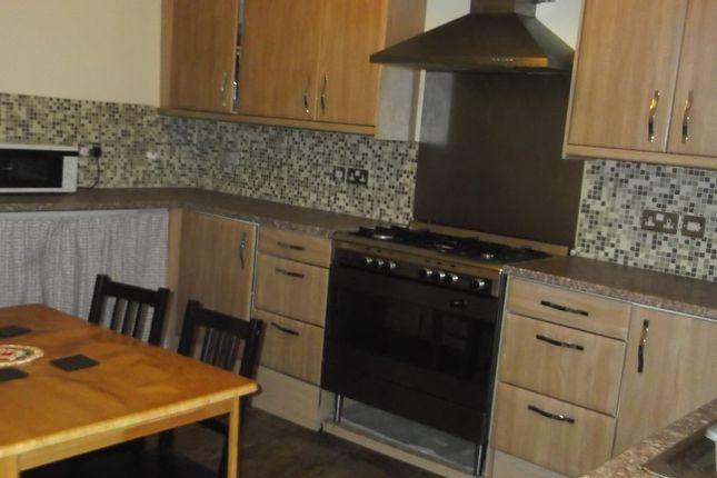 Thumbnail Flat to rent in Horton Grange Road, Gt Horton, Bradford