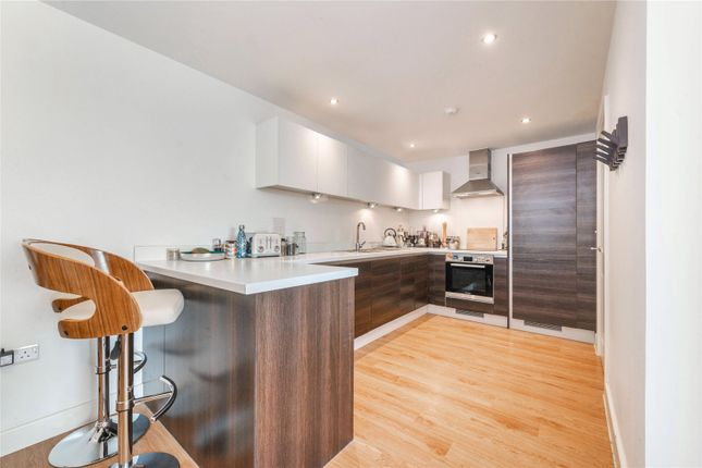 Picture No. 14 of Sunflower Court, Finsbury Park, London N4