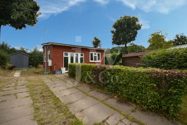 Thumbnail Mobile/park home for sale in Lye Lane, Bricket Wood, St. Albans