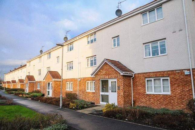 Thumbnail Flat for sale in Stirrat Crescent, Paisley