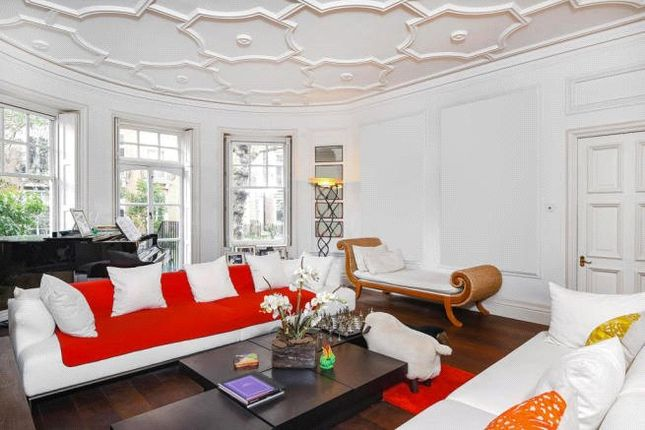Thumbnail Flat for sale in Sloane Court West, London