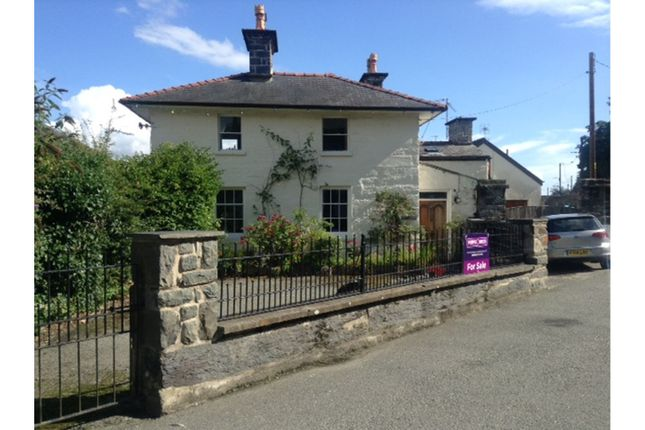 Thumbnail Detached house for sale in Pencei, Porthmadog