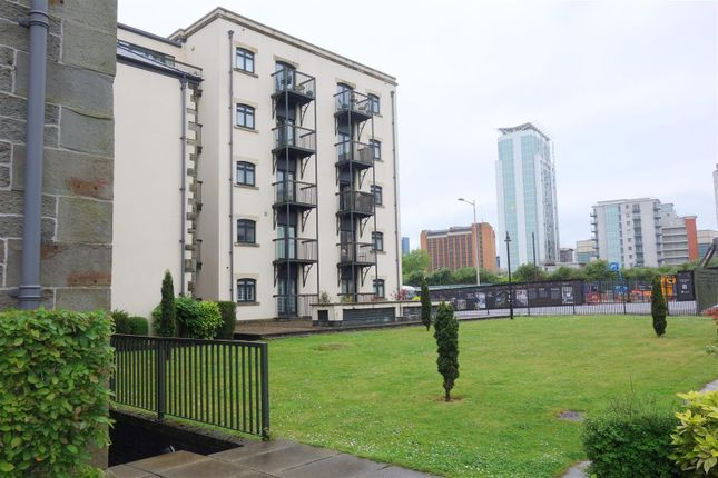 Thumbnail Flat for sale in Lloyd George Avenue, Cardiff