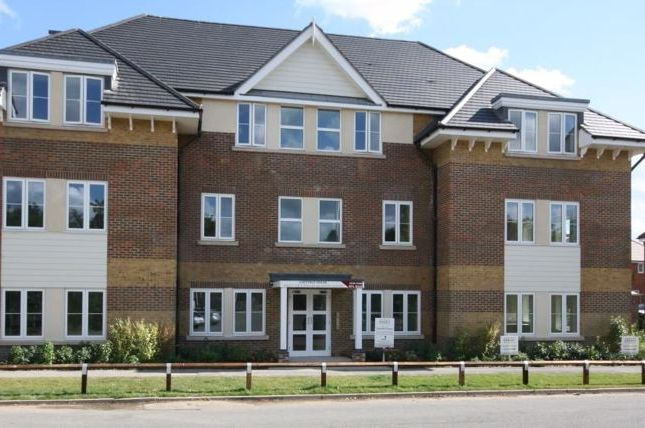 1 bed flat for sale in Church Road, Bookham, Leatherhead KT23