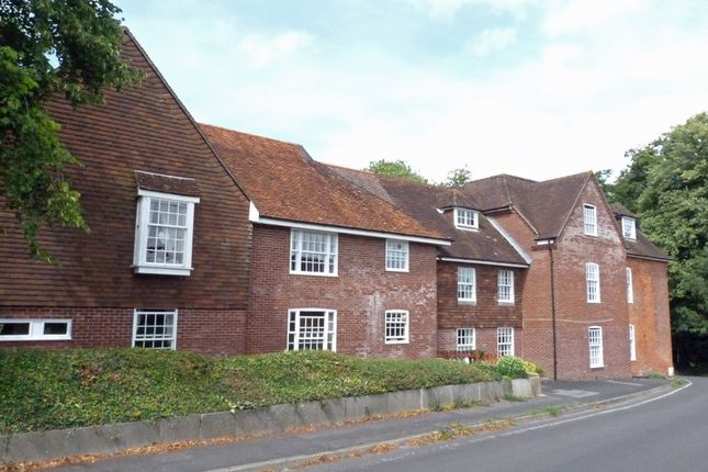 Thumbnail Flat to rent in Clatford Manor House, Andover, Hampshire