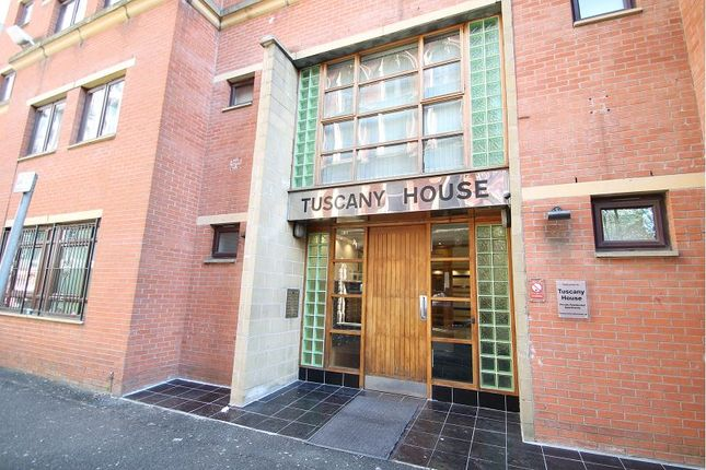 2 bed flat to rent in Tuscany House, Dickinson Street, Manchester