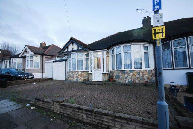 Thumbnail Bungalow to rent in Leigh Avenue, Ilford