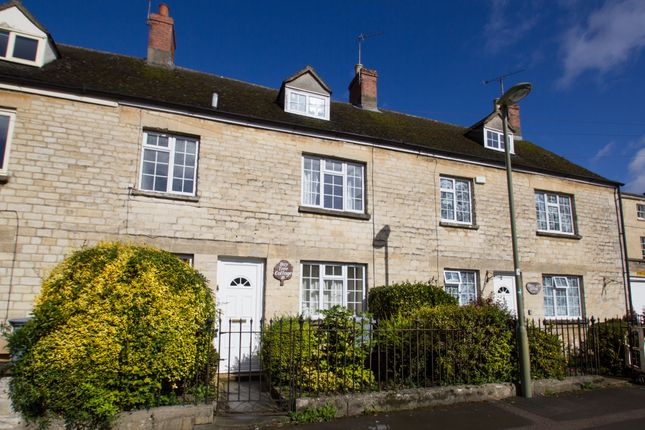 Thumbnail Flat to rent in Woodgreen, Witney