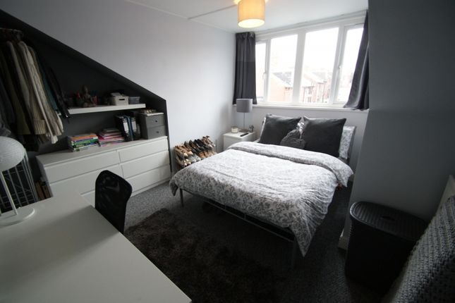 Thumbnail Terraced house to rent in Burley Lodge Road, Hyde Park, Leeds