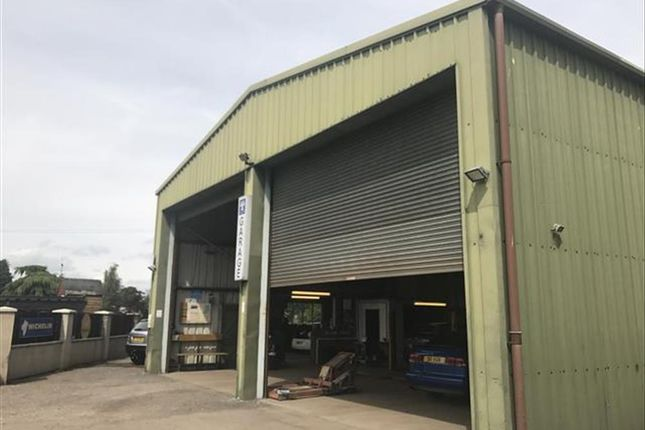 Thumbnail Commercial property for sale in Independent Garage LN11, North Somercotes, Lincolnshire