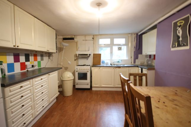 Thumbnail Terraced house to rent in College Place, Brighton