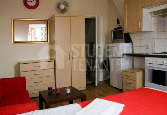 Thumbnail Room to rent in Acton Lane, London