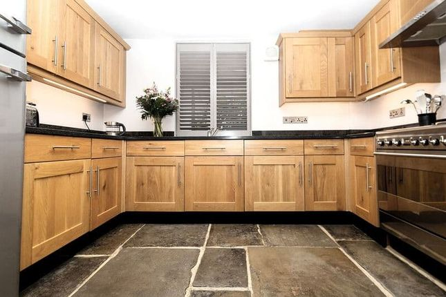 3 bed property for sale in 2 High Street, Hadlow
