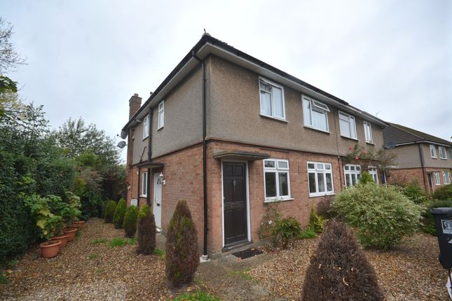 Thumbnail Maisonette to rent in Russell Crescent, Watford