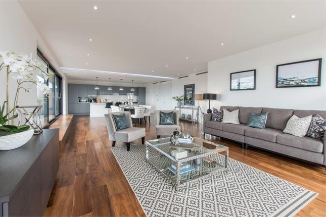 Thumbnail Flat for sale in Grenville Place, Mill Hill