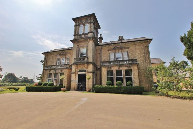 2 bed flat for sale in Birkenhead Road, Willaston, Cheshire CH64