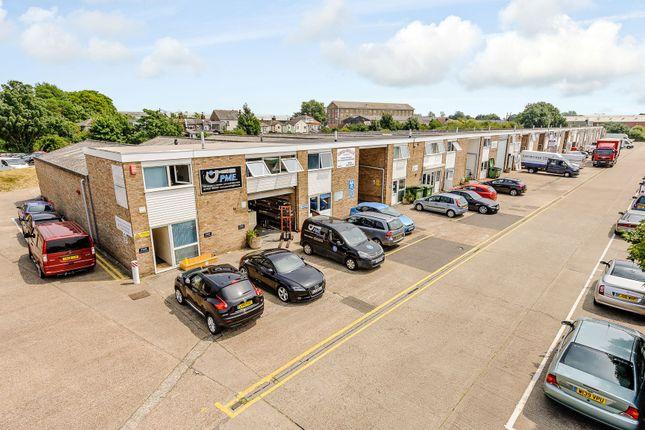 Warehouse to let in Heybridge Industrial Estate, Maldon