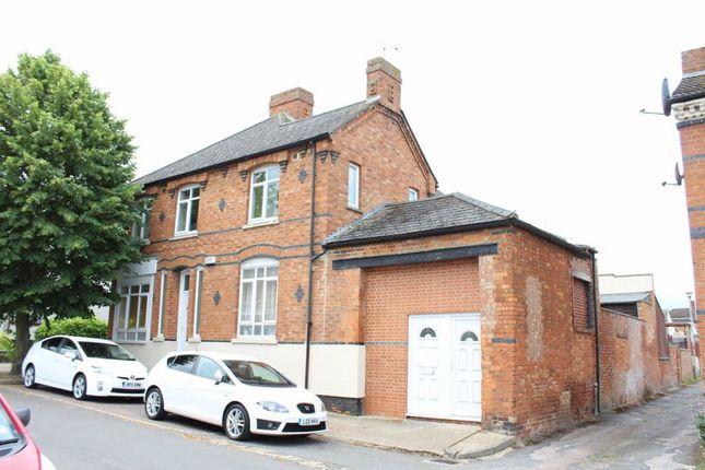 Thumbnail Studio to rent in Glyn Street, New Bradwell, Milton Keynes