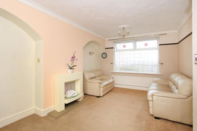 Picture No.02 of Manor Oaks Close, Sheffield, South Yorkshire S2