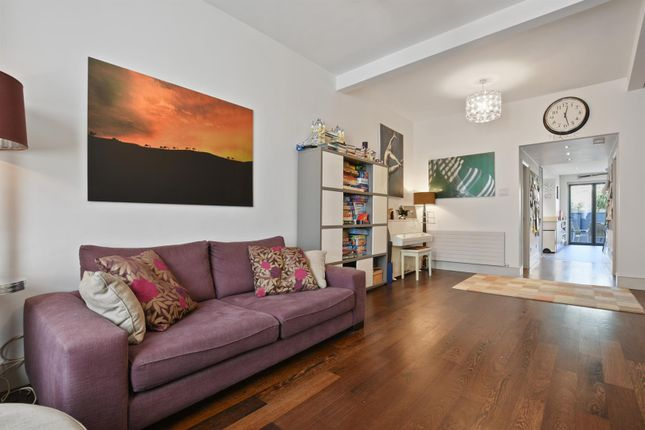 Thumbnail Terraced house to rent in Edison Road, London