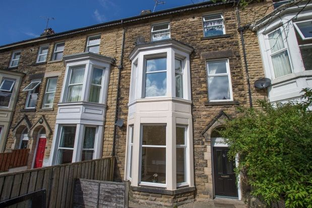 Thumbnail Flat to rent in Franklin Road, Harrogate