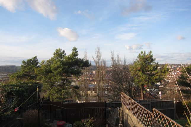 3 bedroom terraced house for sale in Ilchester Crescent, Bristol